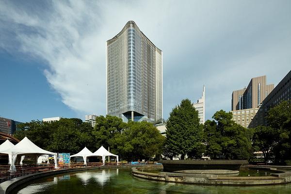 東京ミッドタウン日比谷の外観。すぐそばに日比谷公園、帝国ホテルなどがある